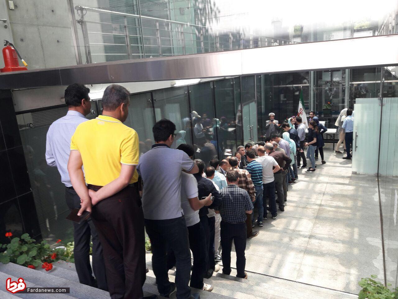 عکس: صف رای دهندگان ایرانی در پایتخت کره جنوبی