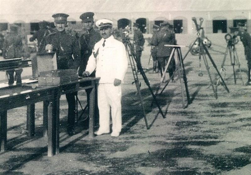 فرمانده نیروی دریایی ارتش نامش را با یک نافرمانی در تاریخ ایران جاودانه کرد/مستند زندگی دریابان شهید غلامعلی بایَندُر در چه مرحلهای است؟