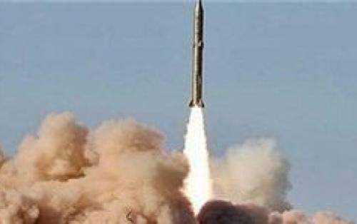 واکنش شاعران به اقتدار نظامی ایران