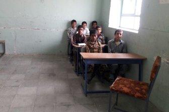 توزیع ۴۰۰ کوله پشتی به همراه لوازم التحریر برای دانش آموزان نیازمند