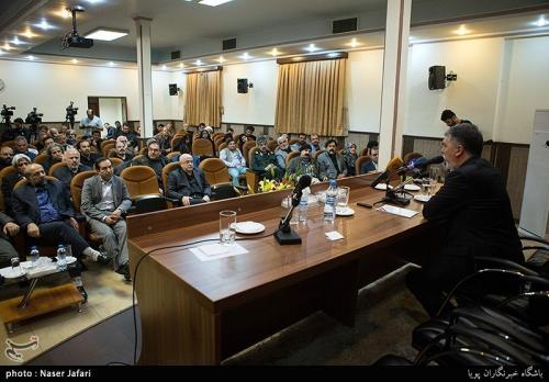 سر درددلها باز شد/انتقادات جدی هنرمندان تئاتر، موسیقی و سینما در دیدار با وزیر ارشاد