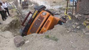 سقوط کامیون به درهای در جاده گلیرون بابل