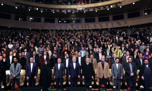 دو عدد و رقم از برگزاری جشنواره فیلم فجر با 9 میلیارد تومان اختلاف!/ «صنعت سینما» به مدیران رسیده و بیپولیاش به هنرمندان