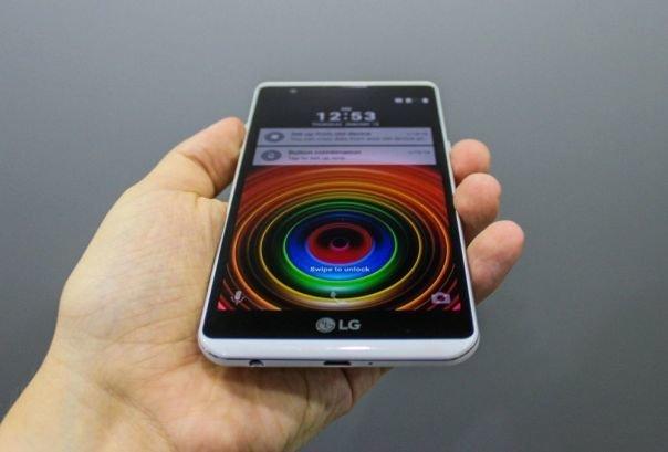 رجیستری گوشی موبایل برای مردم هزینه ندارد/ جای نگرانی نیست