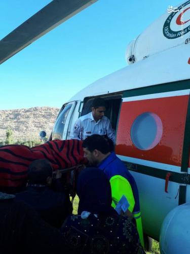 انتقال مصدومان زلزله با بالگرد+عکس