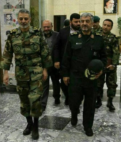 فرماندهان سپاه و ارتش در محل زلزله+عکس