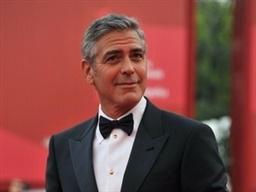 بازگشت بازیگر معروف به تلویزیون بعد از 20 سال