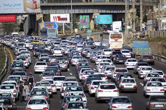 ترافیک در بزرگراه های تهران سنگین است