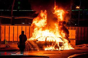 ۳ سرنشین خودرو پژو در آتش سوختند