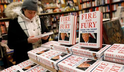 «آتش و خشم در کاخ سفید» بازار کتاب دنیا را گرفت/ماجرای افشاگریهای مشاور ارشد ترامپ از بیماریهای روانی و جنسی رئیسجمهور