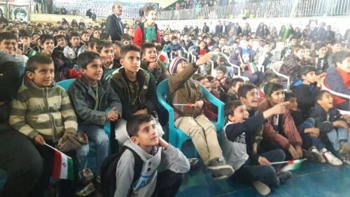 وعده یاران شهید سیاح طاهری محقق شد/دوازدهمین جشنواره دانشآموزی فیلم دفاع مقدس به مناطق زلزله زده کرمانشاه رفت