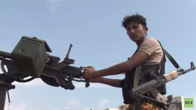 اخباری ضد و نقیض از تسلط جداییطلبان جنوب یمن بر مقرهای دولت مستعفی در عدن