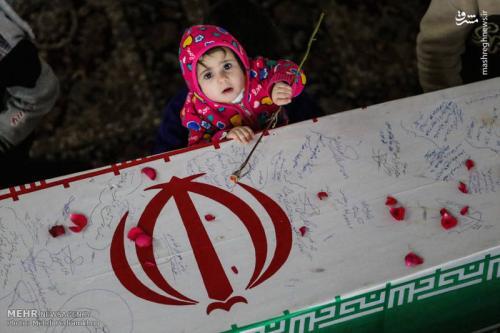وداع با شهدای گمنام در حرم علی بن مهزیار+عکس