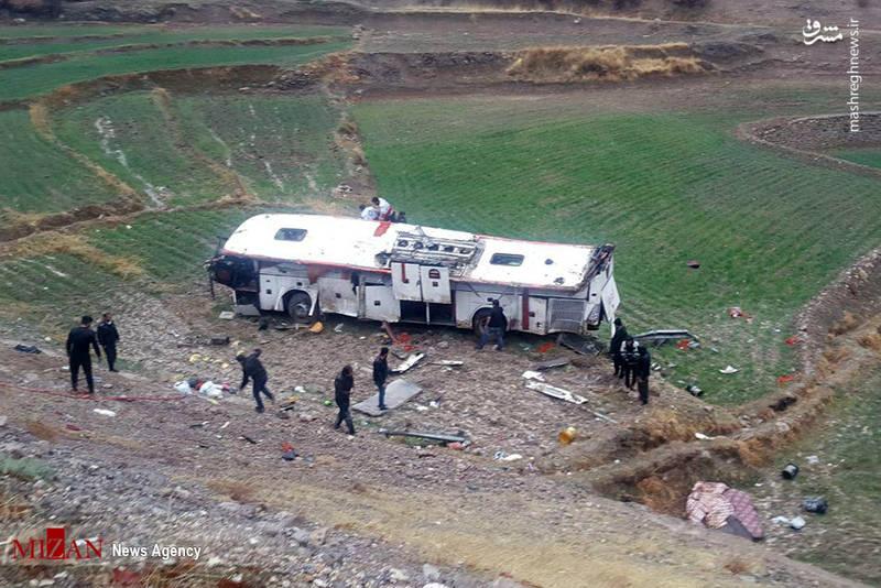 سقوط مرگبار اتوبوس به دره+عکس
