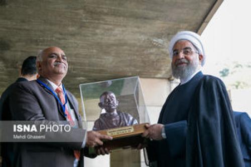تاکید روحانی بر استفاده از تمامی ظرفیتهای ایران و هند