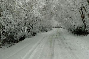 برف و باران در محورهای ۱۰ استان