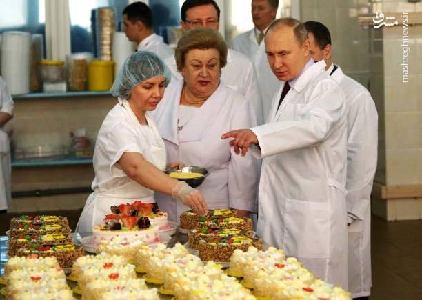 رئیس جمهور در کارخانه شیرینیپزی+عکس