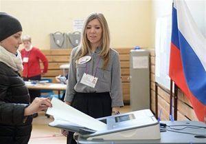 مردم روسیه به پای صندوقهای رای رفتند