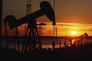 غارت نفت ایران توسط آمریکا بعد از کودتای 28 مرداد 1332
