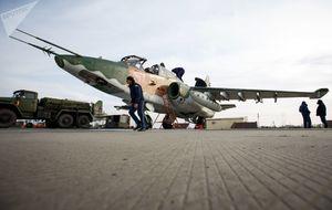 نصب تندیس 16 خلبان شهید در کشور