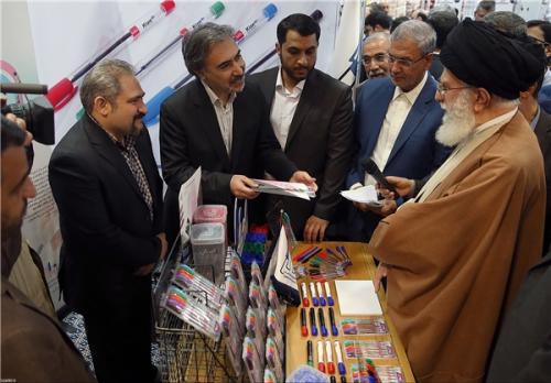 بازدید دو و نیم ساعته رهبر انقلاب اسلامی از نمایشگاه کالای ایرانی