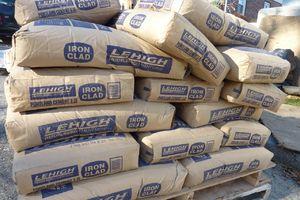 تاثیر نوسانات نرخ دلار بر قیمت «سیمان»