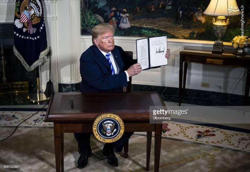 امضای ترامپ برای خروج آمریکا از برجام+ عکس