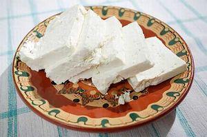 """عوارض مصرف """"پنیر"""" در وعده صبحانه"""