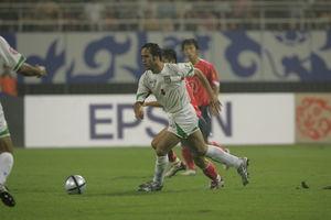 بهترین هافبک تاریخ جام ملت های آسیا علی کریمی شد