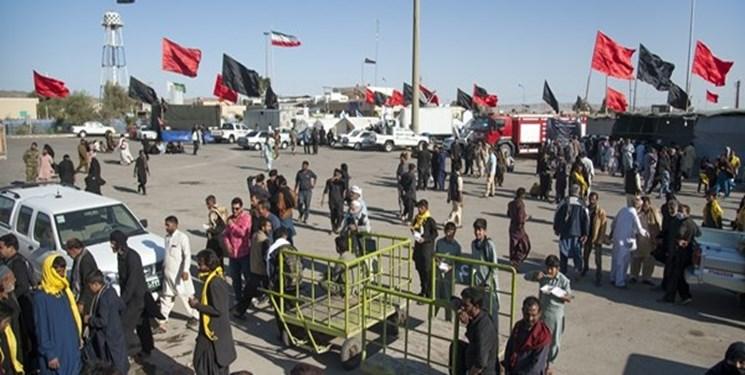 شور و شوق زوار پاکستانی در مرز میرجاوه
