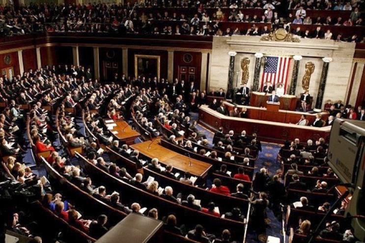 امید دموکراتها به کسب اکثریت کرسیهای مجلس نمایندگان آمریکا