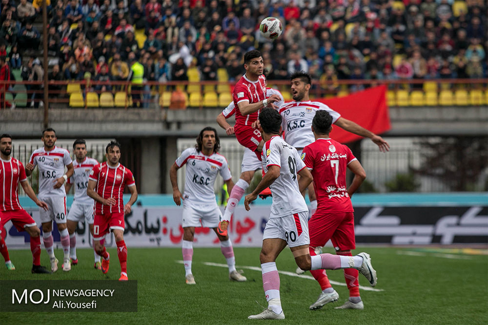 اخراج 2 بازیکن و مربی فولاد خوزستان در دیدار با سپیدرود رشت