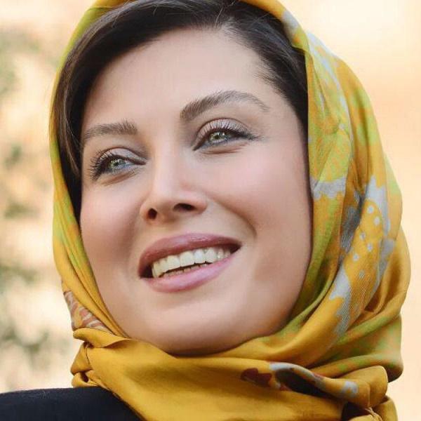 بازیگر زن جذاب ایرانی در حال درشکه سواری+عکس