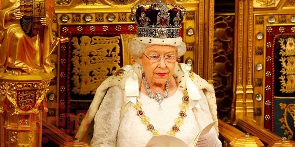 تاجهای زنان خاندان سلطنتی در جهان+عکس