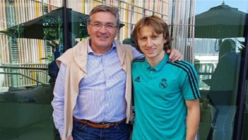 تبریک سرمربی تیم فوتبال پرسپولیس به لوکا مودریچ+عکس