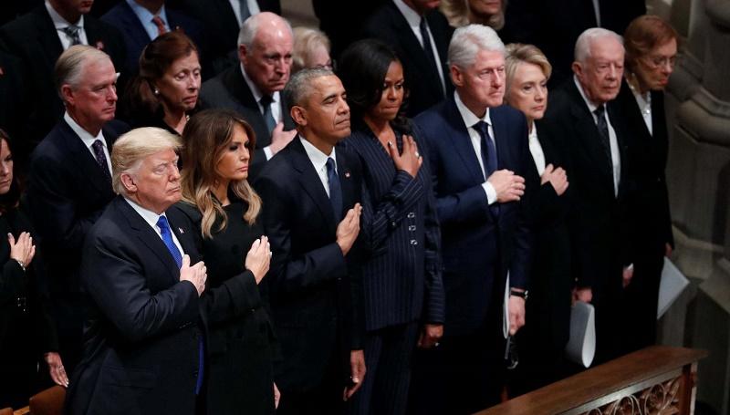 بیمحلی دونالد ترامپ و هیلاری کلینتون در مراسم تشییع جنازه «بوش پدر» +فیلم