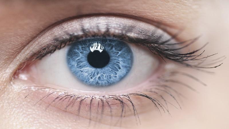 آنچه که در مورد چشمهای آبی رنگ نمی دانید!
