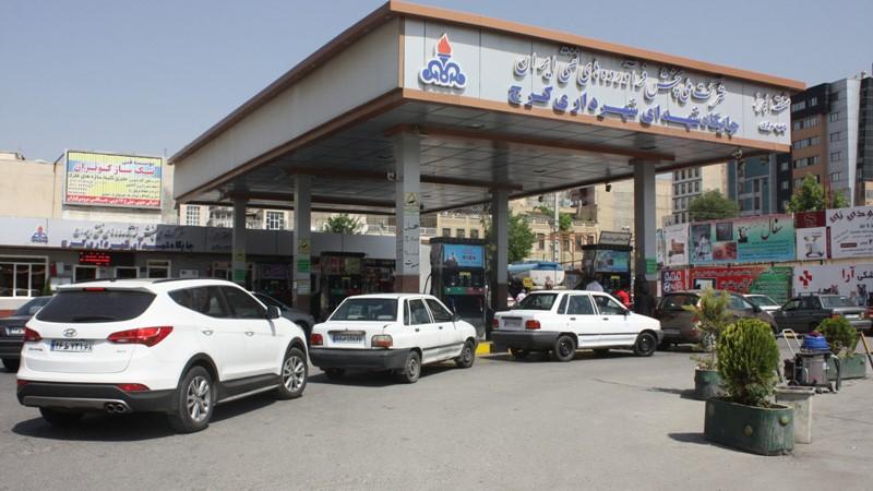 عدالت اجتماعی یا اقشار مرفه!؟؛ مسیر پیشروی دولت در هزینه کرد «یارانه بنزین»