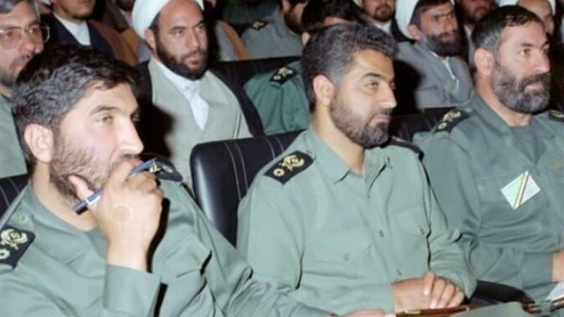 گریه و بیتابی حاج قاسم سلیمانی در فراق سردار شهید حاج احمد کاظمی+فیلم