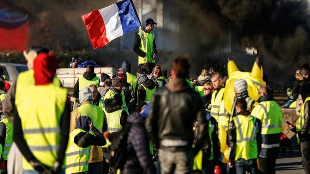 جلیقهزردهای فرانسه دوباره به خیابانها آمدند