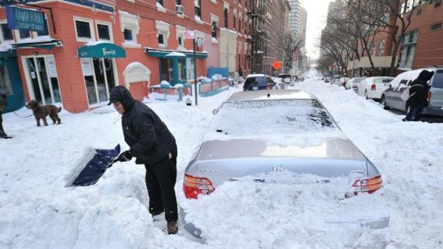 بارش برف در آمریکا 5 کشته بر جا گذاشت
