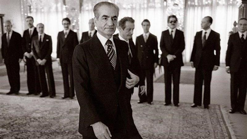 خاطرات فرستادگان امریکا و انگلیس از فرار محمدرضا پهلوی