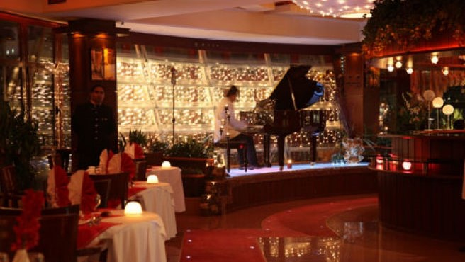 موزیک زنده در یکی از رستورانهای تهران جنجالی شد +فیلم