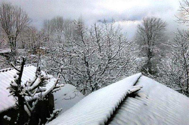 راه ارتباطی ۱۴۷ روستای الیگودرز به دلیل رانش زمین مسدود است