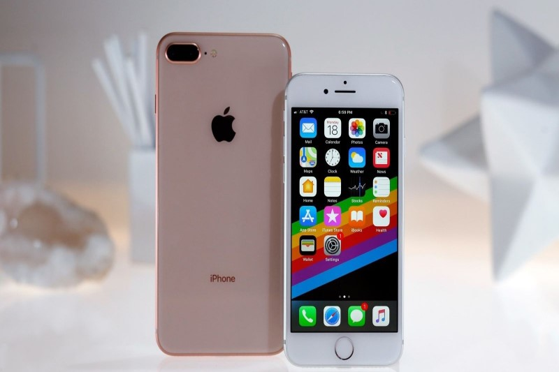 حراجی اپل برای آیفون SE با قیمت ۱۰۰ و ۱۵۰ دلاری