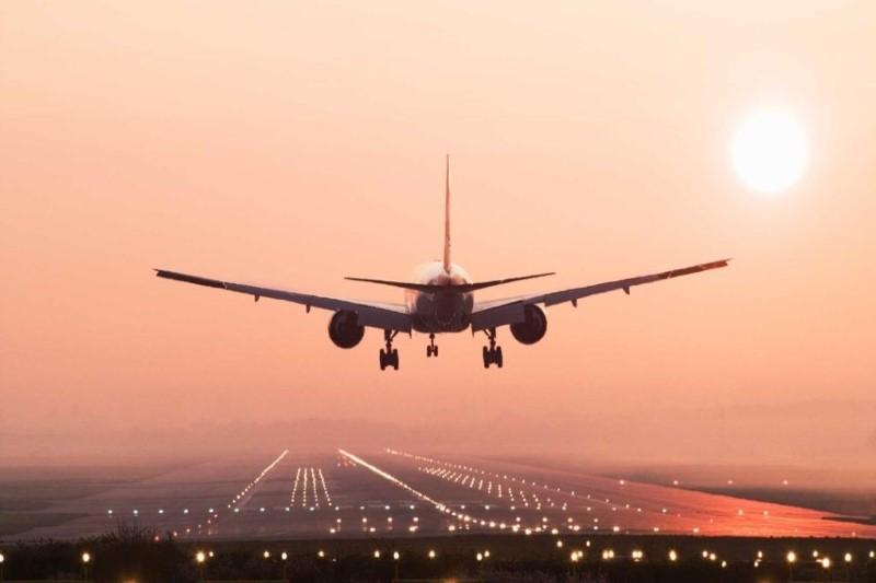 هیچ آژانس هواپیمایی حق ندارد  بلیت با قیمت بالاتر به مسافران بفروشد
