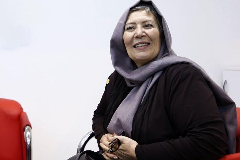 صفا آقاجانی: سینمای ایران تبدیل به خاله بازی شده است