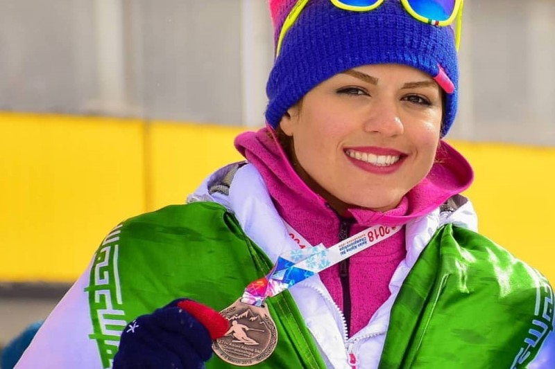 فروغ عباسی: تمرینات اسکی نسبت به مسابقات کمتر بوده است