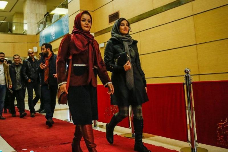 پوششهای عجیب و غریب بازیگران در جشنواره فیلم فجر و انتقاد رسانهها+تصاویر