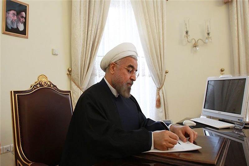 """حسن روحانی به رهبر انقلاب درباره بیانیه """"گام دوم انقلاب"""" نامه نوشت"""